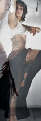 Esmeralda, dancer, UN.OISEAU.QUI.ÉTEND.SES.AILES